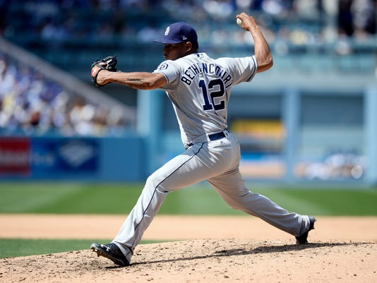 USP MLB: SAN DIEGO PADRES AT LOS ANGELES DODGERS S [BBA OR BBN] LAD SD USA CA