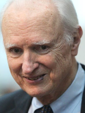 Former Indianapolis mayor William Hudnut chats with
