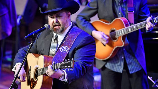 Daryle Singletary performs during the public memorial service for Mel Tillis at the Ryman Auditorium Jan. 31, 2018.