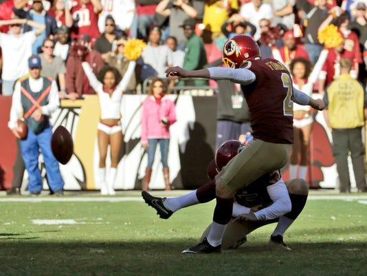 Titans Redskins Footb_Holl.jpg