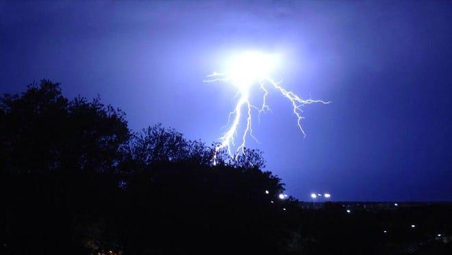 Lightning near Duby Noble in Starkville, Miss Thursday, April 24, 2014 tweeted by Dean Meeks
