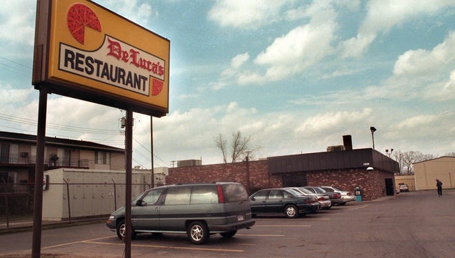 Exterior of DeLuca's, March 27, 1998.