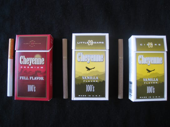 Flavored cigarettes and little cigars appeal to young smokers, says a new government report.