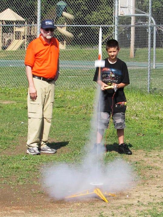 ELM 070914 rockets 1 jdm.jpg