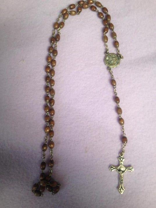 MNJ 0411 Rosary 1