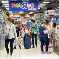 Toys R Us files for liquidation, likely spelling its end in the U.S.