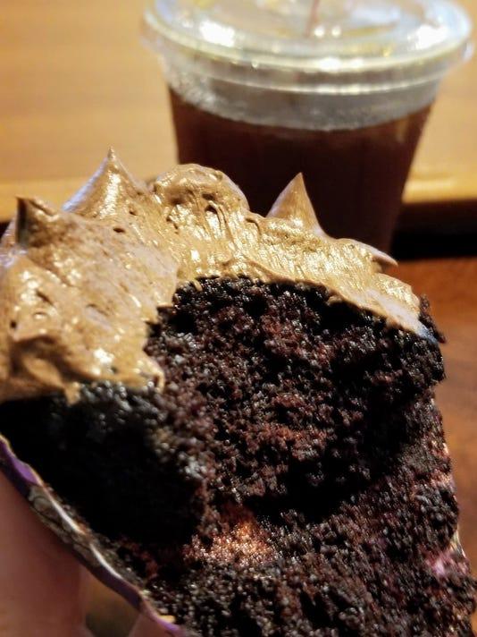 636653664654913996-Vienna-Double-Chocolate-Vegan-Cupcakes.jpg