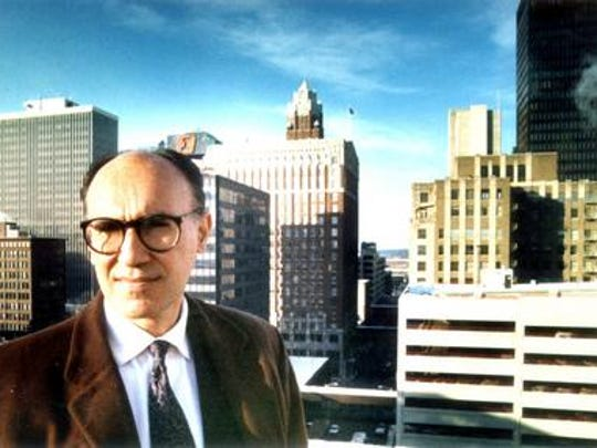 Mario Gandelsonas in Des Moines in 1989. A New York architect, Gandelsonas helped create a vision for the city that led to the create of the Western Gateway and the Principal Riverwalk.