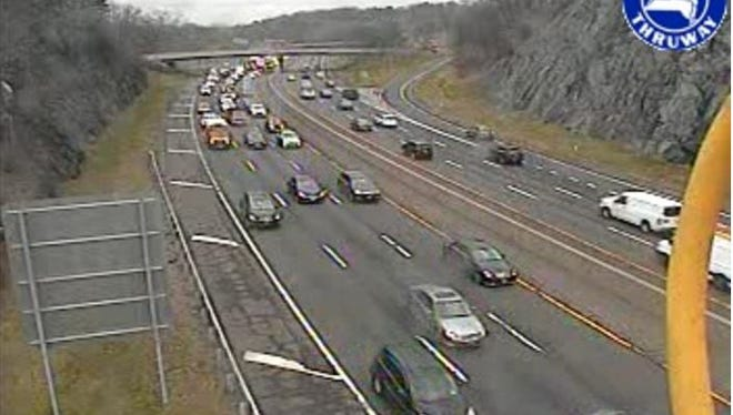 Eastbound traffic on Interstate 287 east of Exit 5 for Route 119 in Greenburgh about 8:15 a.m. on April 11, 2016, as seen in a state Thruway Authority traffic camera image.