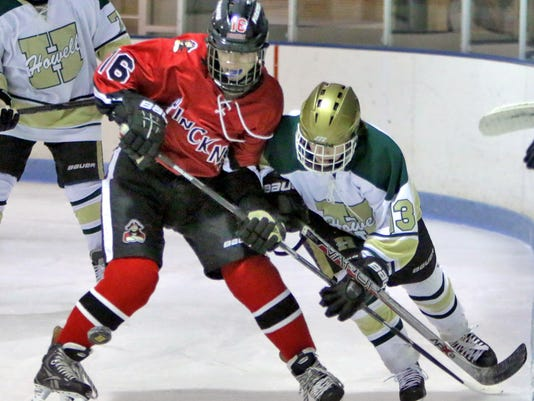 Pinckneys Henry Haidler battles Howells Hunter Hirzel.jpg