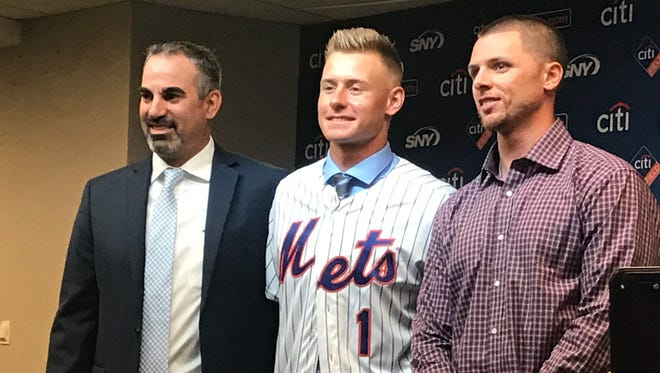 Mets first-round pick Jarred Kelenic is introduced at Citi Field.