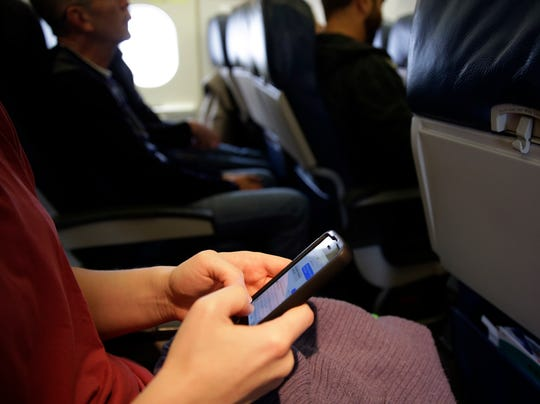 AP Cellphones Planes