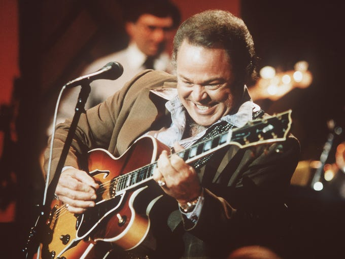 Roy Clark, the country guitar virtuoso and singer who