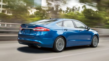 Car review: 2017 Ford Fusion Hybrid