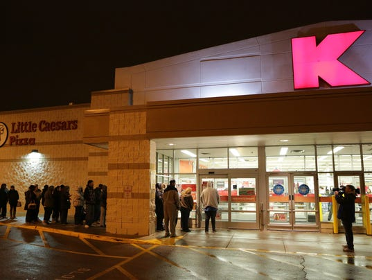 Online sales hit record for Thanksgiving