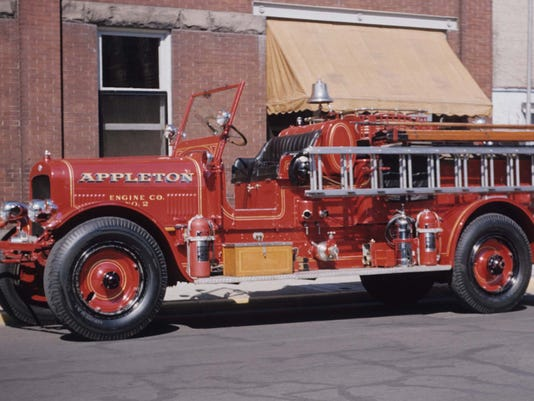 Seagrave cropped.jpg