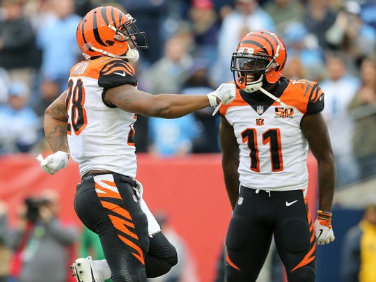 Cincinnati Bengals running back Joe Mixon (28) celebrates