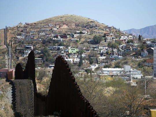 Seven state legislators to the Arizona-Mexico border