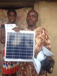 """""""Je ne sais plus là où j'ai jeté ma lampe!"""" Roger Imbi Mokili told NovoMoto. (Translation: I do not even know where I tossed my kerosene lamp!)"""