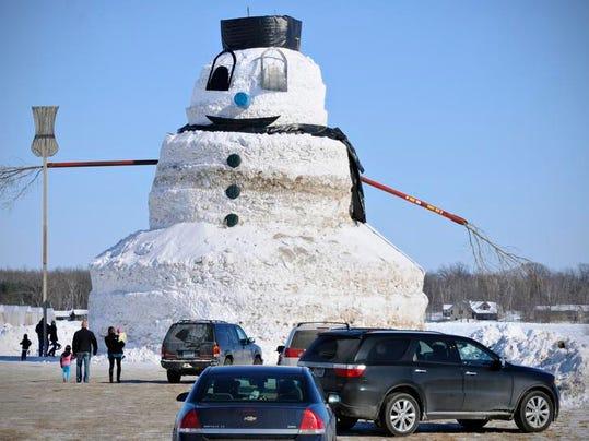STC 0303 Big Snowman 5.jpg