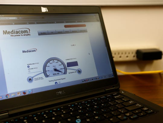 Mediacom shows off the speed of its internet service