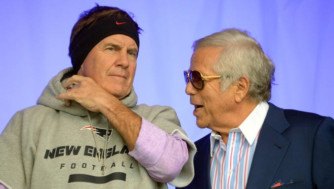 Patriots owner Robert Kraft (right) with coach Bill Belichick.