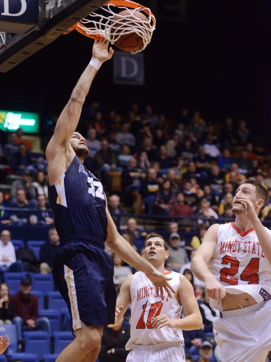 Odegaard helps rev Augustana's shooting game in blowout win