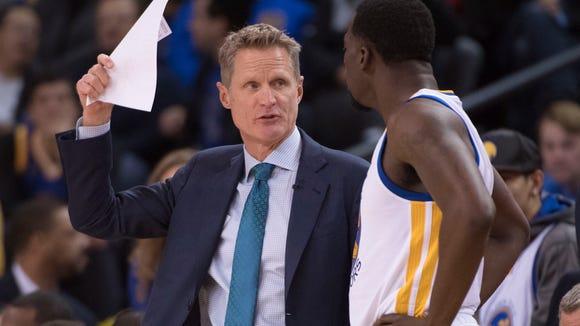 Golden State Warriors head coach Steve Kerr (left)