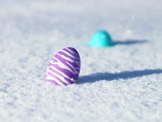 LDN-EC-160318-eggs-snow-1