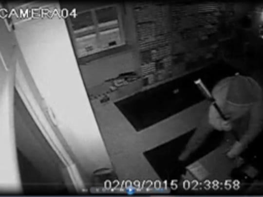 STG burglary 0210 04.jpg