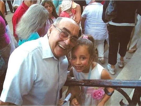 John Desimone had 12 grandchildren and 16 great grandchildren.