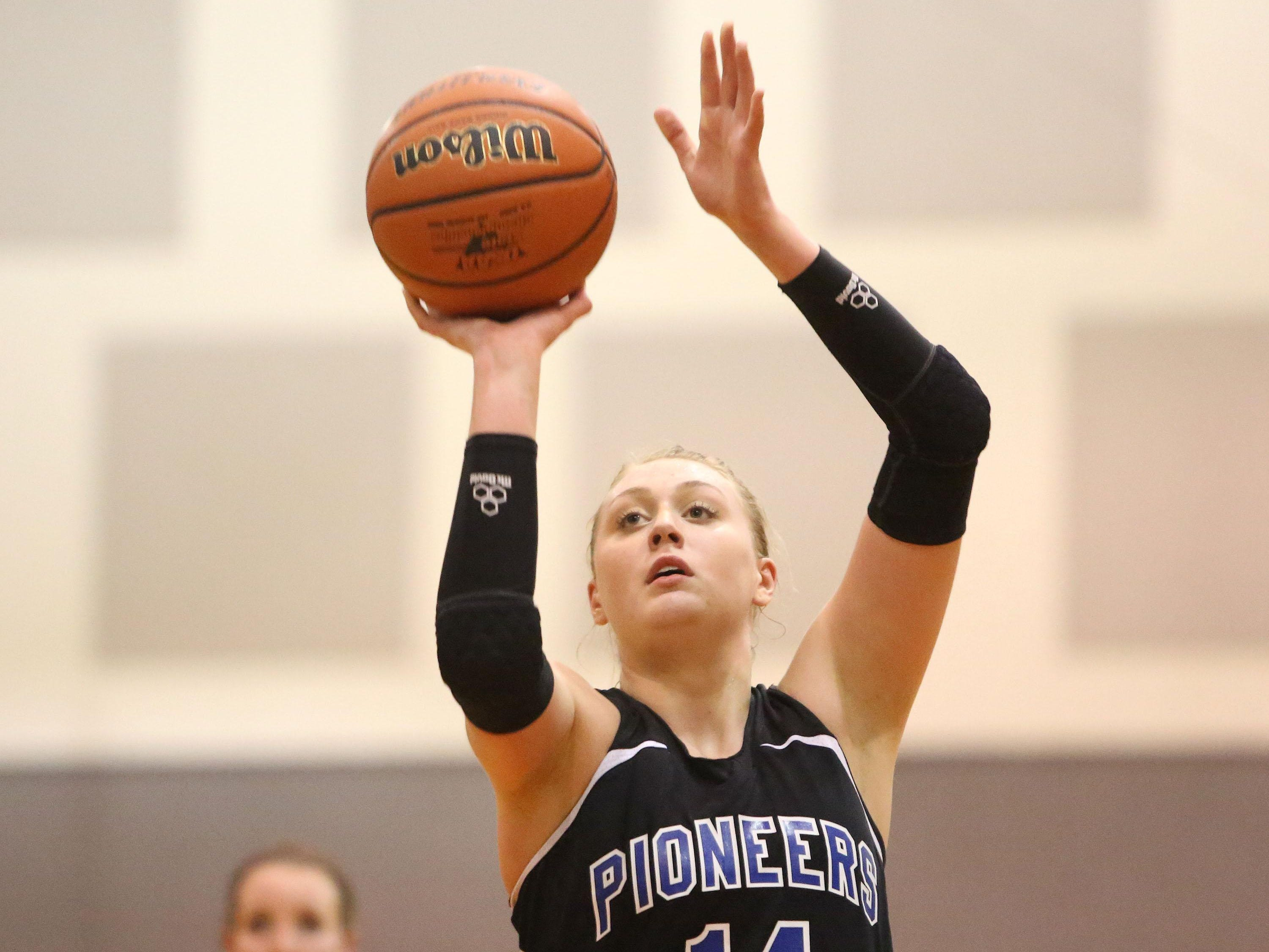 Western Mennonite's Emma Gibb has committed to play basketball at UC Davis.