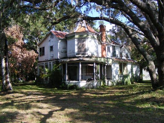 southeast corner oak.jpg