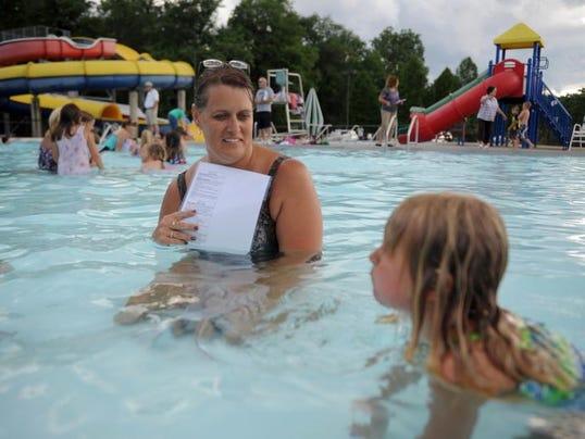 cos 07xx learn to swim 001.JPG