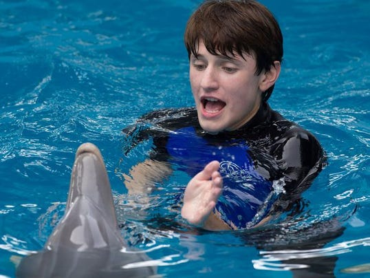DFP dolphin tale mov.JPG