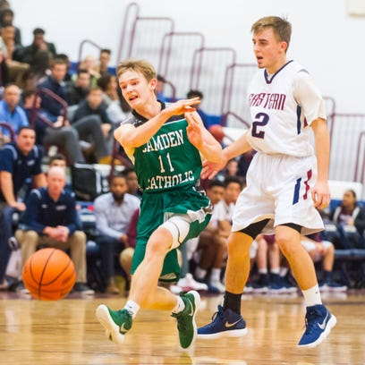 Boys' basketball: Camden Catholic wins thriller over Eastern on opening night