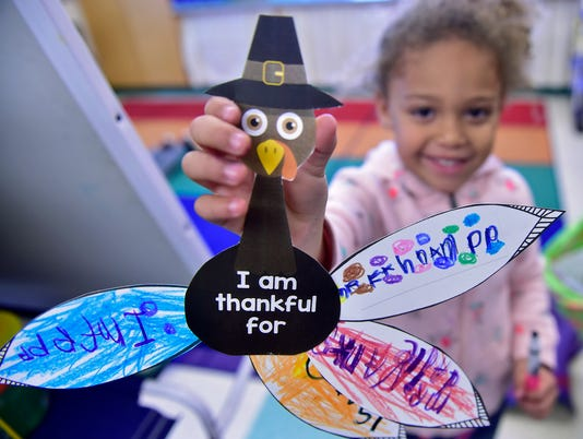 1-cpo-mwd-111617-thanksgiving-kids