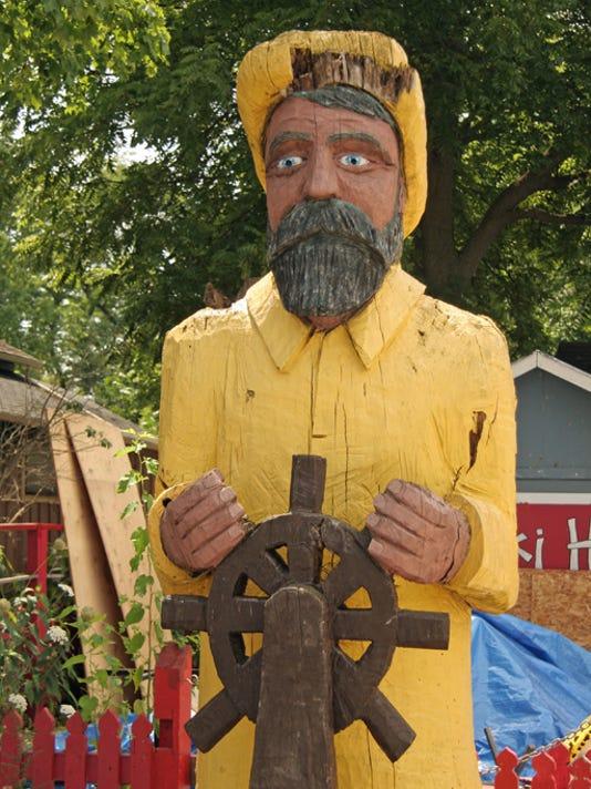 WoodenCaptain.jpg