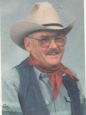 Roger Sherman Thompson died March 25, 2015 at his home in Ft. Collins, at age 82.
