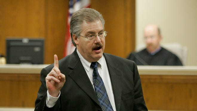 Calumet County District Attorney Ken Kratz gives his rebuttal argument in the Steven Avery murder trial in the courtroom on March 15, 2007 at the Calumet County Courthouse in Chilton.