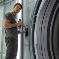 Movie Addict: Surprised by, satisfied with 'Passengers'
