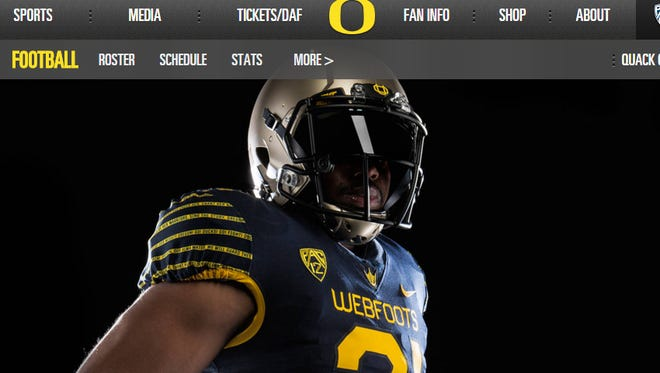 The Oregon Ducks will honor their 1916 Rose Bowl champs with throwback uniforms for the spring game.