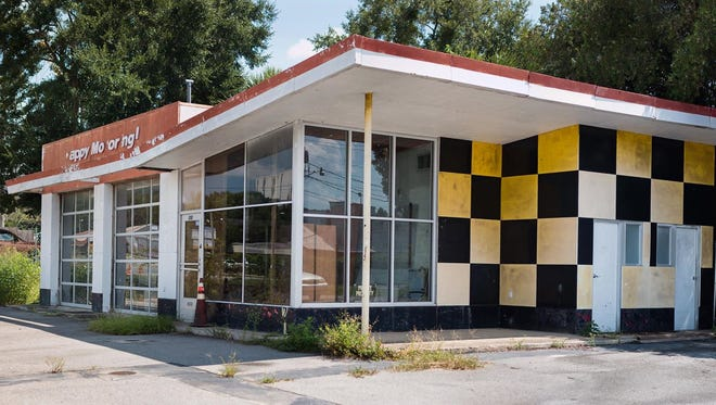 On Tuesday, residents can offer ideas on the redevelopment of a former gas station on South Adams Street.