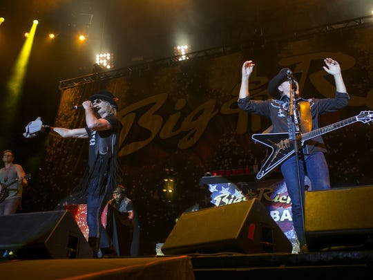 Big & Rich perform at Country Thunder Arizona Music