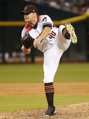 Arizona Diamondbacks relief pitcher Andrew Chafin (40) throws against the Los Angeles Dodgers during the ninth inning at Chase Field, Ariz. August 9, 2017.