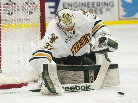 New Hampshire vs. Vermont Men's Hockey 02/06/15
