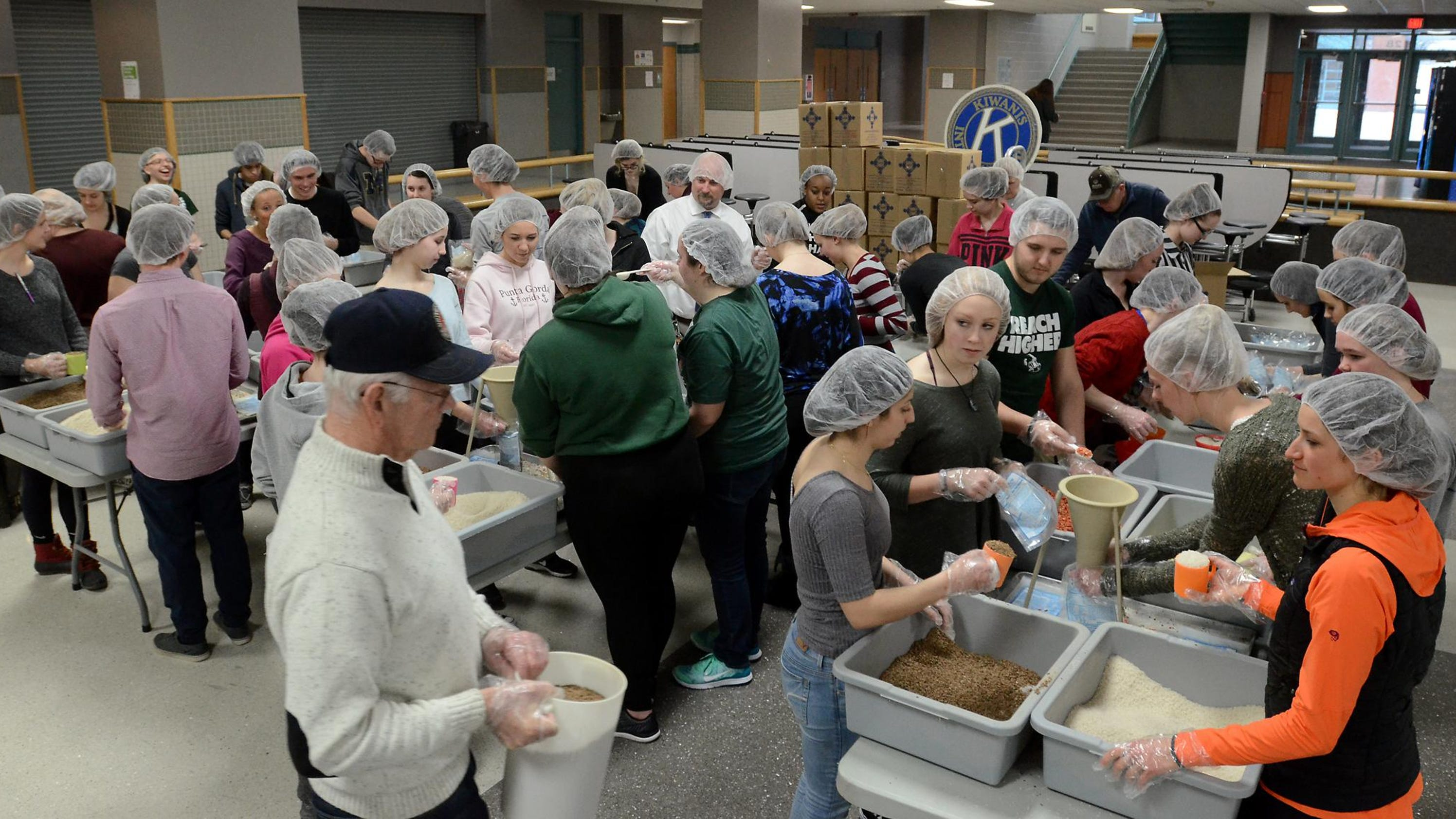 South Lyon high school students make a difference in other ...