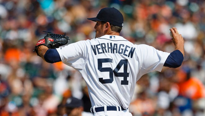 Detroit Tigers relief pitcher Drew VerHagen (54) pitches in the seventh inning against the Texas Rangers at Comerica Park.