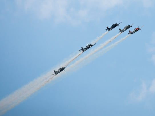 The Trojan Horsemen T-28 Warbird Aerobatic Formation