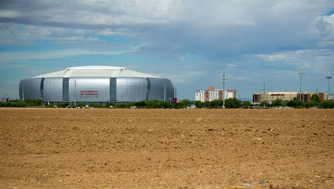 Glendale in fall 2016 settled a years-long lawsuit involving parking at University of Phoenix Stadium.